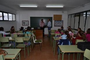 Los Santos de Maimona ha iniciado su curso formativo en la Escuela de M�sica y de Pintura con lleno absoluto