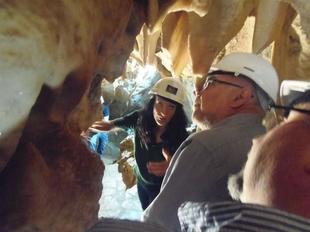 Inaugurada la Sala del Castillo en las Cuevas de Fuentes de Le�n despu�s de tres a�os de actuaciones