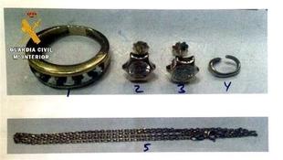 Dos detenidos por el hurto de joyas al descuido en una joyer�a de Talavera y tres domicilios de Almendralejo