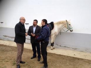 Ech�varri inaugura infraestructuras de uso ganadero y agr�cola en la comarca de La Serena