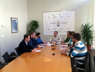 La Diputaci�n de Badajoz y la UEx trabajan en el nuevo laboratorio de investigaci�n sobre el ciclo del agua