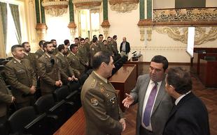 El Regimiento Castilla visita la Diputaci�n