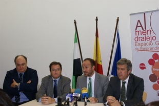 La C�mara de Comercio de Badajoz y la Fundaci�n Incyde colaborar�n en la realizaci�n de Programas de Formaci�n