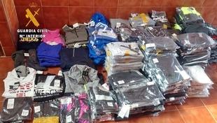 Detenido un var�n por vender en un mercadillo en Santa Amalia prendas robadas en Talavera