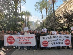 Unas 500 personas se concentran en Badajoz para que se refuerce la seguridad ante los robos en el campo