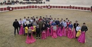 La Escuela de Tauromaquia ofrecer� este jueves un taller de toreo de sal�n en Badajoz