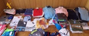 La Guardia Civil interviene m�s de un centenar de prendas falsificadas en el mercadillo de La Zarza