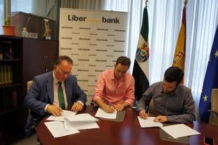 Un convenio con Liberbank permitir� obras de acondicionamiento del antiguo mercado de abastos de Zalamea de la Serena