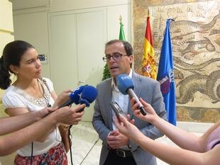Gallardo apunta que las localidades pacenses con menos renta