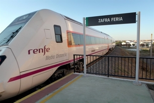 Renfe cuadruplica la oferta de trenes en Zafra con motivo de la Feria Internacional Ganadera 2016