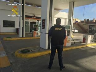 Detenido un vecino de Almendralejo por robar en una gasolinera de La Roda (Sevilla)