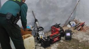Investigados dos varones por el robo de maquinaria, herramientas y gas�il en La Zarza