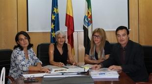 Los ayuntamientos pacenses de Quintana y Villanueva de la Serena reciben el premio Otaex a la accesibilidad universal
