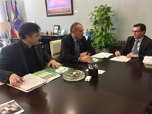 Los presidentes de la Diputación de Badajoz y de Plena Inclusión Extremadura analizan la colaboración entre colectivos
