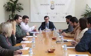 La Federación de Entidades Locales Menores extremeña traslada a Gallardo sus necesidades y preocupaciones