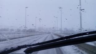 La nieve provoca cortes de carreteras en el puerto de Honduras y Piornal, en la provincia de Cáceres