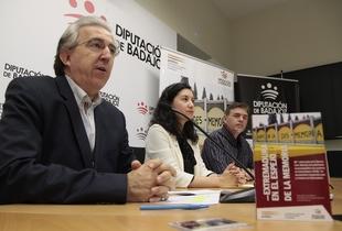 El libro 'Extremadura en el espejo de la memoria' recopila diversas conferencias sobre los 80 años de la Guardia Civil