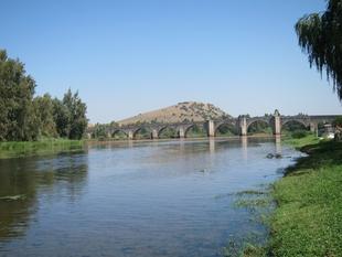 La Junta asegura que todavía no se ha determinado si el río Guadiana en Medellín es apto para el baño