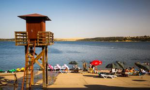 La Playa Dulce de Orellana luce su bandera azul por octava vez consecutiva