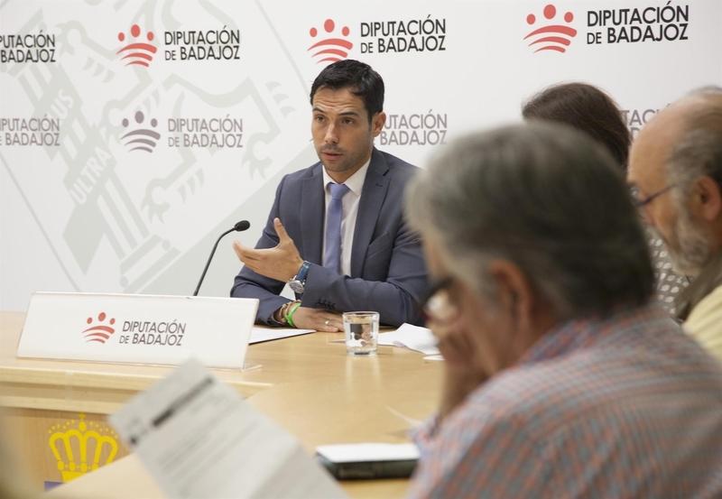 La Diputación de Badajoz pone a disposición de los ayuntamientos 10,4 millones