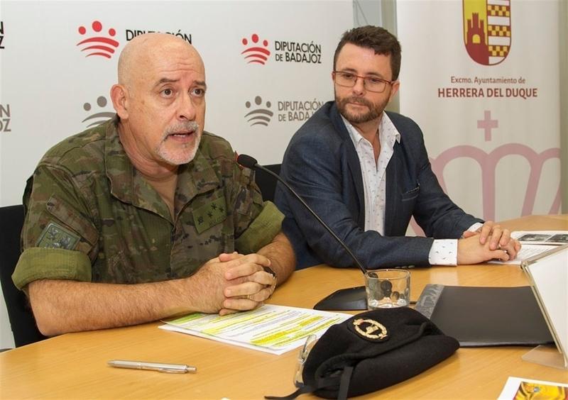 La localidad de Herrera del Duque celebrará en septiembre un acto de jura de bandera de personal civil