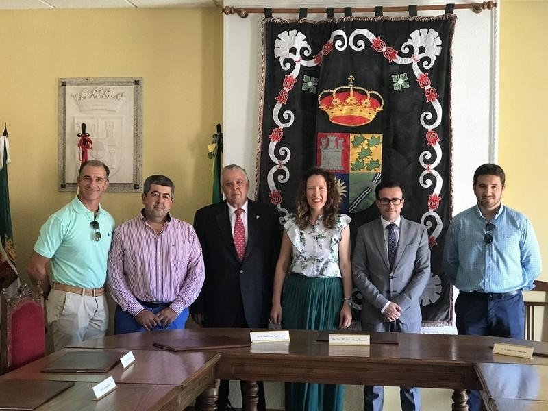 El presidente de la Diputación de Badajoz visita Solana de los Barros y sus pedanías