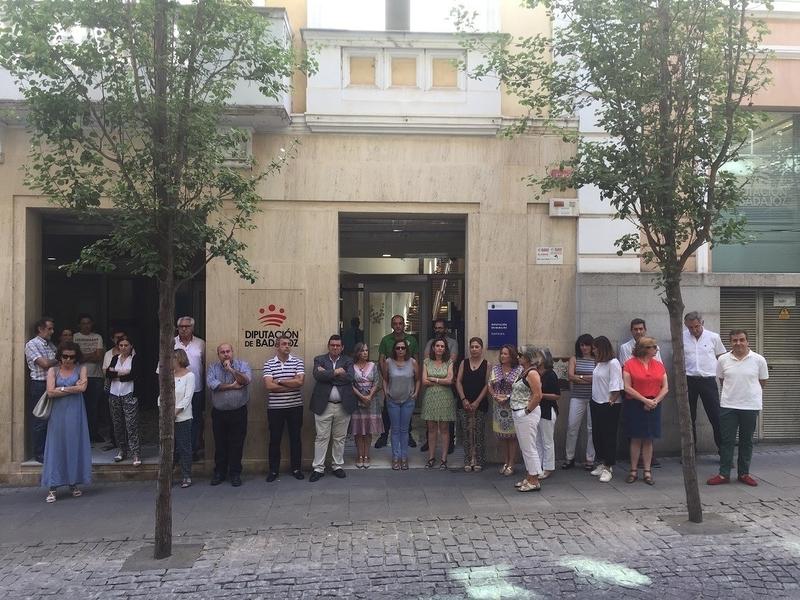 Diputación de Badajoz guarda un minuto de silencio en recuerdo de Miguel Ángel Blanco y todas las víctimas terroristas