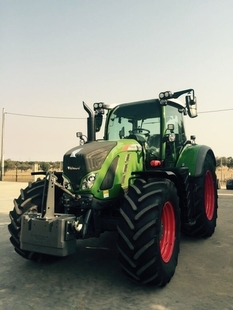 La finca La Cocosa de la Diputación incorpora un tractor que la sitúa en la ''vanguardia tecnológica''
