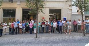 La Diputación de Badajoz guarda un minuto de silencio en repulsa y dolor por el atentado de Barcelona