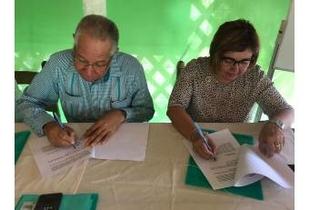 Cordero firma un protocolo de colaboración entre FELCODE y la Federación Dominicana de Distritos Municipales