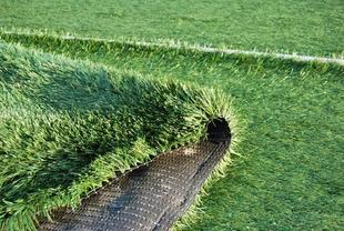 La localidad de Navalvillar de Pela inaugurará este sábado un campo de fútbol de césped artificial
