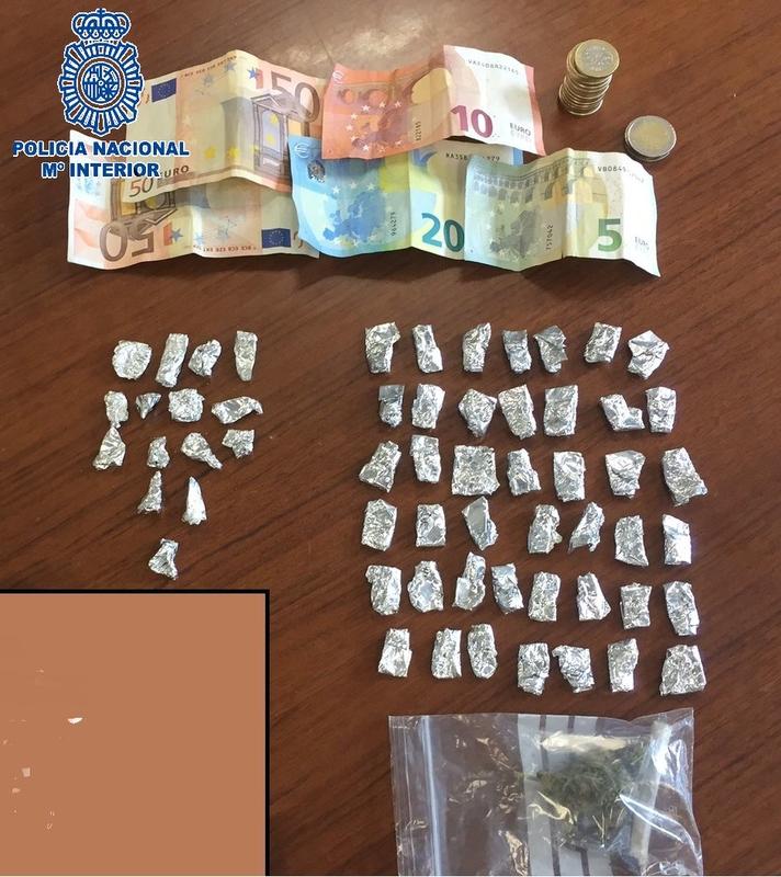 La Policía Nacional detiene a tres personas por tráfico de drogas