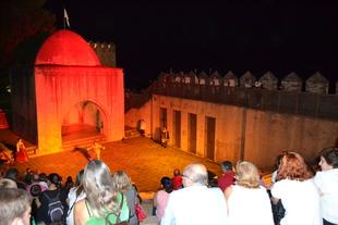 La primera 'Noche en Blanco' de Jerez de los Caballeros reúne a cientos de personas en las diversas actividades