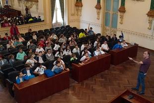 Alumnos del C.P. San Roque de Almendralejo visitan la Diputación de Badajoz
