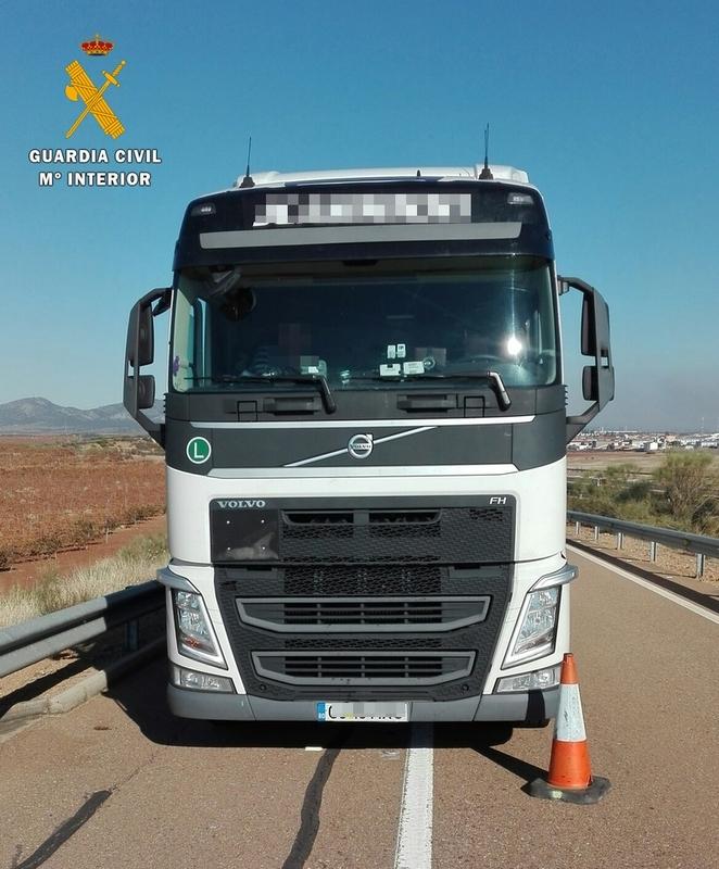 Detenido un camionero que sextuplicaba la tasa de alcohol cuando circulaba por A66 a la altura de Torremejía