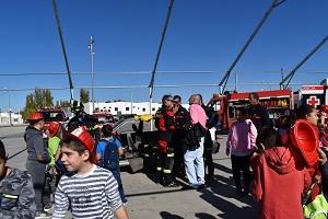 La II Semana de la Prevención de Incendios comienza con la realización de un ''Taller divulgativo sobre Sistemas de retención infantil en vehículos''