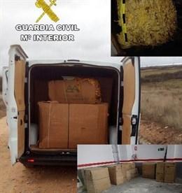 Detenida una mujer de 50 años que transportaba cerca de Navalmoral de la Mata 730 kilos de hoja de tabaco
