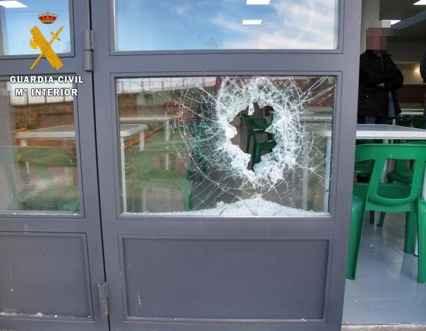 Ingresan en prisión los tres presuntos autores de tres robos en bares y viviendas en Azuaga