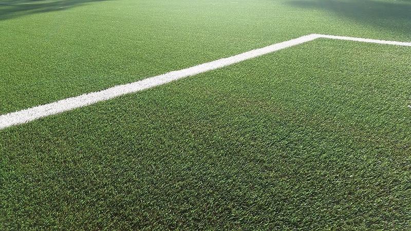 San Vicente de Alcántara cuenta con el primer campo de fútbol de césped artificial con corcho de Extremadura