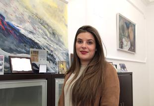 La diputada provincial de Cultura viaja a ARCO para apoyar la galería extremeña de Ángeles Baños