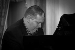 El salón de Plenos de la Diputación acoge un Concierto de piano y canto