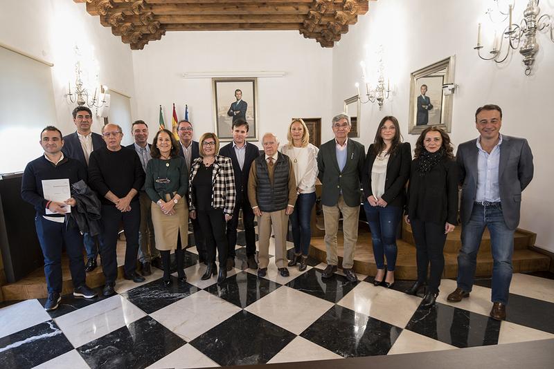 """La Diputación destaca el trabajo de las DOP e IGP en la """"internacionalización y promoción"""" de la región"""