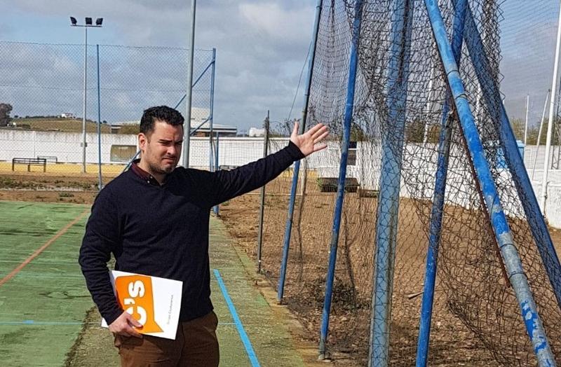 """Cs Talavera denuncia el """"estado lamentable"""" de las instalaciones deportivas y algunos edificios públicos de la localidad"""