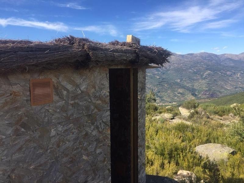"""Piornal apuesta por el turismo ornitológico con las instalaciones de """"hides"""" o escondites para la observación de aves"""