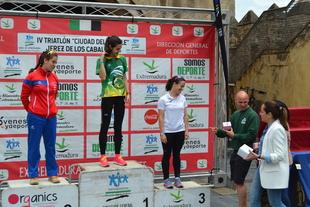 139 participantes consolidan el triatlon 'Ciudad del Temple' de Jerez de los Caballeros