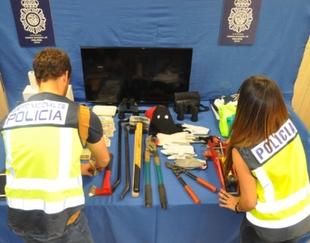 La Policía Nacional desarticula un grupo criminal dedicado a robos de vehículos y en establecimientos