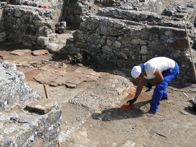 La Diputación de Badajoz concluye la primera fase de actuaciones para la limpieza de la villa romana de La Cocosa