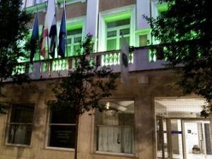 La Diputación se adhiere al Día Internacional de la ELA iluminando su fachada en verde