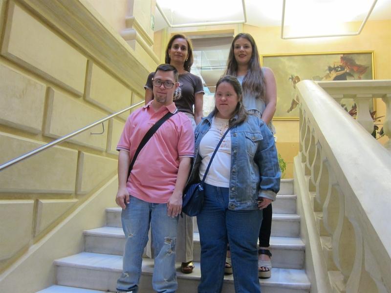 Dos chicos con Síndrome de Down trabajarán en la Diputación de Badajoz