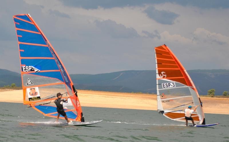 Presentada la Copa de España de Fórmula Windsurf, que se disputará en el Lago Gabriel y Galán de Zarza de Granadilla